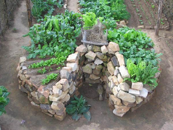 Jardins trous de serrure à réaliser en ville, Keyhole Garden